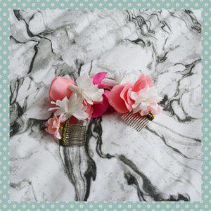 NWOT Forever 21 Floral Hair Clip